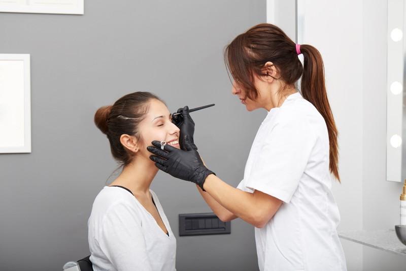 Pielęgnacja brwi po wykonaniu pigmentacji