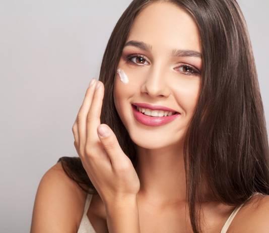Zatkane pory – jak oczyścić twarz domowymi sposobami?