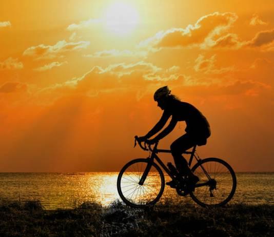 Bielizna termoaktywna na rower – co warto o niej wiedzieć